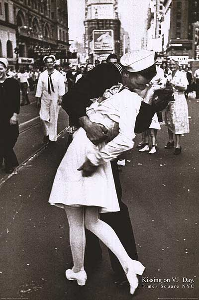 Kiss on VJ  DAY